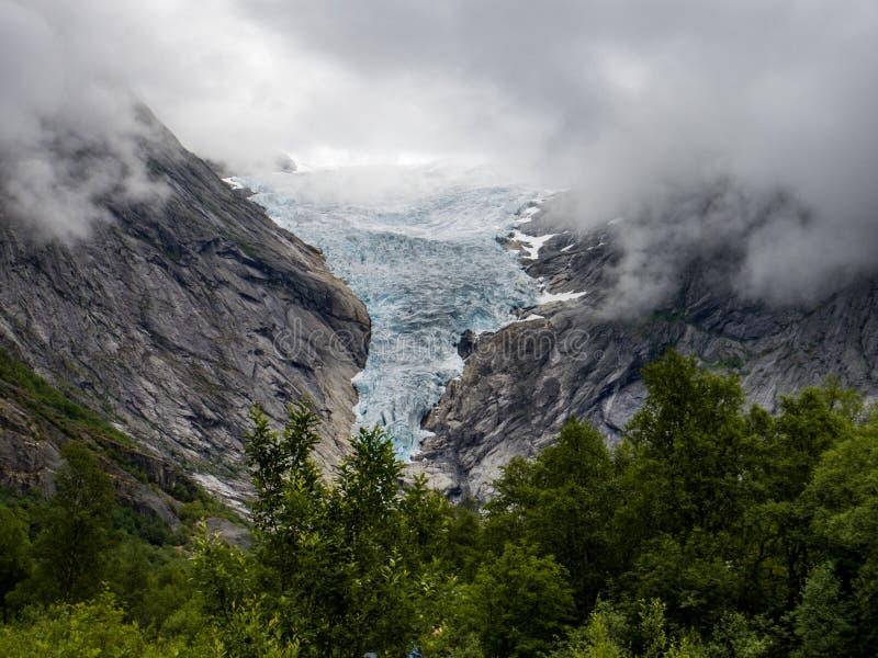 Geleira em um fiorde norueguês fotos de stock royalty free