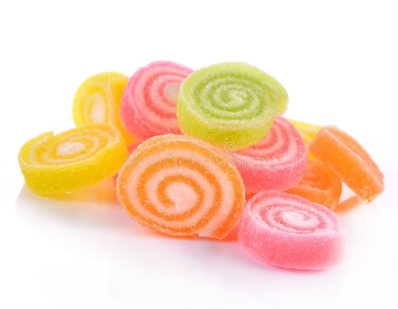 Gelieren Sie Bonbon, Aromafrucht, der Süßigkeitsnachtisch, der auf Zucker bunt ist stockbilder