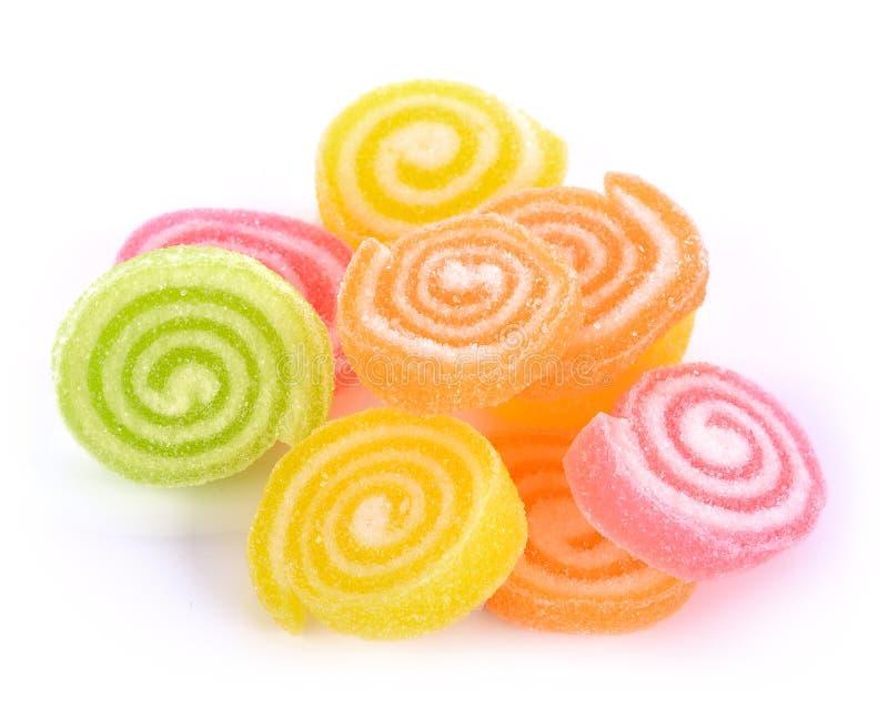 Gelieren Sie Bonbon, Aromafrucht, der Süßigkeitsnachtisch, der auf Zucker bunt ist lizenzfreie stockfotografie