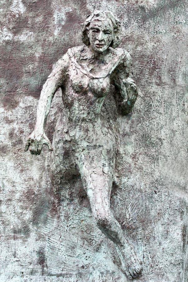 Gelijkheid het te voorschijn komen standbeeld, Galway, Ierland royalty-vrije stock afbeeldingen