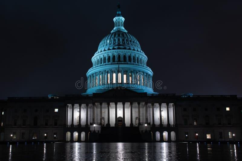 Gelijkstroom-capitol bij nacht in Washington de V.S. stock foto