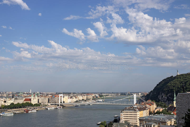 Gellert wzgórze i Elisabeth most Budapest obraz royalty free