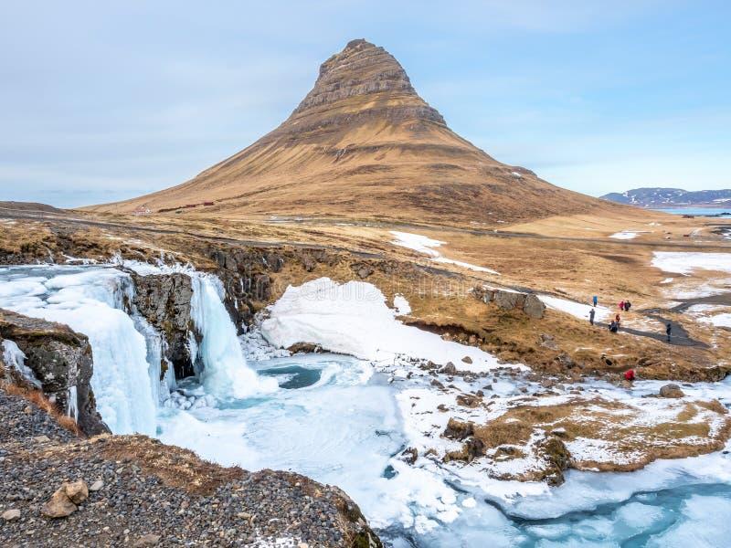 Gelo do inverno da montanha de Kirkjufell, Islândia imagem de stock