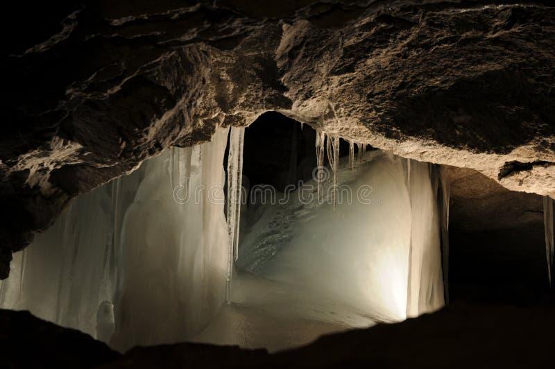 Gelo na caverna fotografia de stock