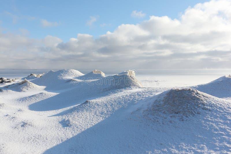 Gelo que forma no rio, reservatório de Ob, Sibéria, Rússia imagem de stock royalty free