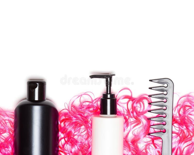 Gelocktes Haarpflege- und anredenkonzept mit freiem Raum für Text lizenzfreie stockbilder