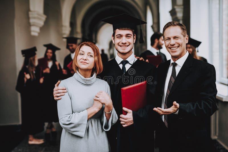 geluk relaties diploma ouders eindig stock afbeeldingen