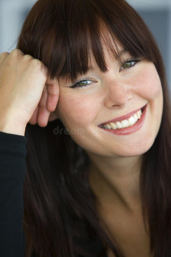Gelukkig & ook Glimlachend royalty-vrije stock afbeeldingen