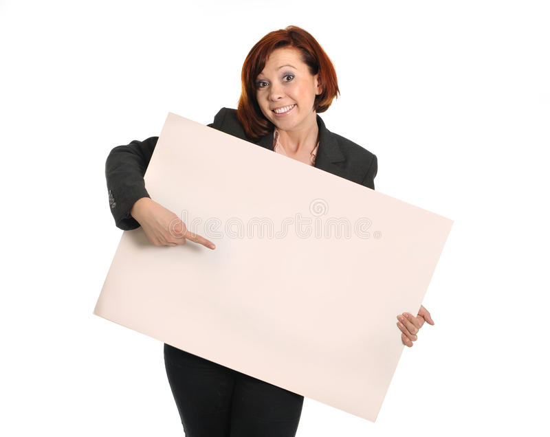 Gelukkig bezig het kartonteken van de bedrijfsvrouwenholding als exemplaarruimte stock foto's