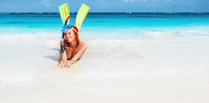 Gelukkig duikermeisje royalty-vrije stock afbeelding