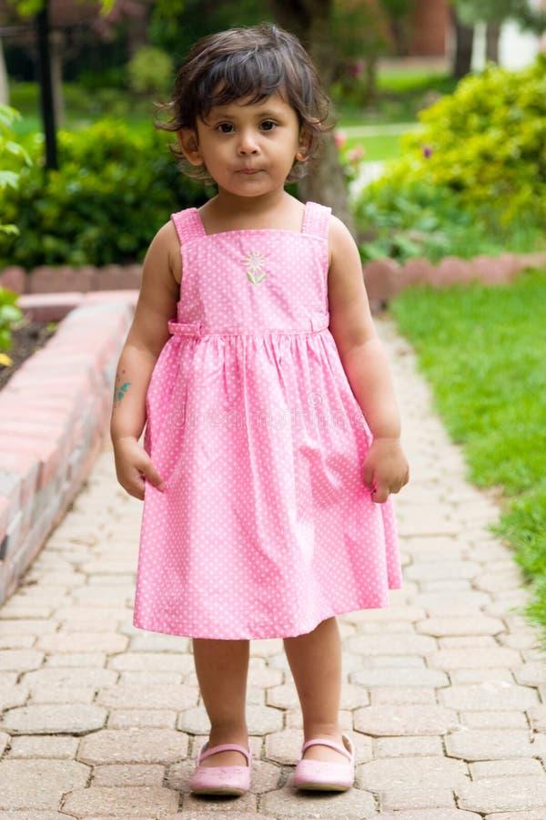 Gelukkig, glimlachend het oosten Indisch meisje stock fotografie