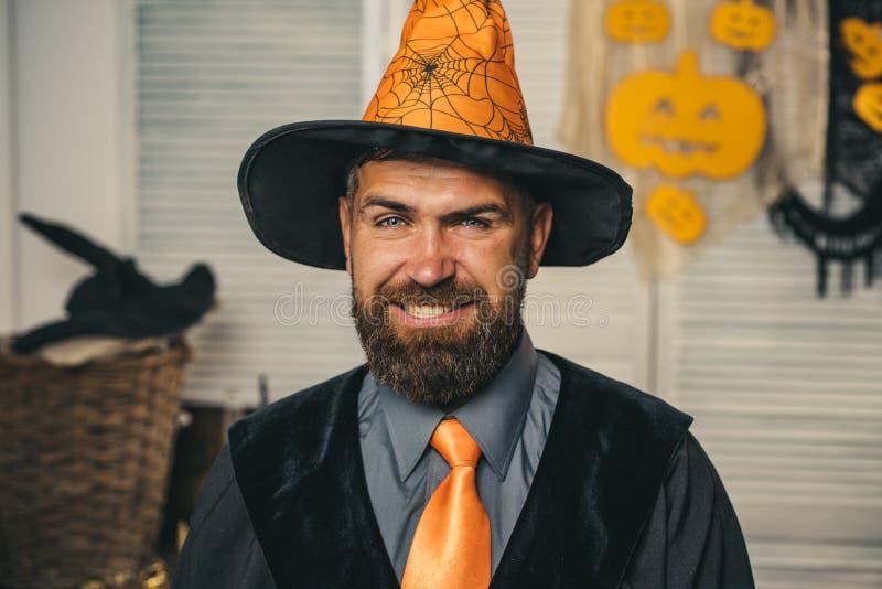 Gelukkig Halloween Het gekke jokergezicht Grappig karakter, grappige Dracula Glimlachende Mens Grappige foto Pompoen Halloween stock afbeeldingen