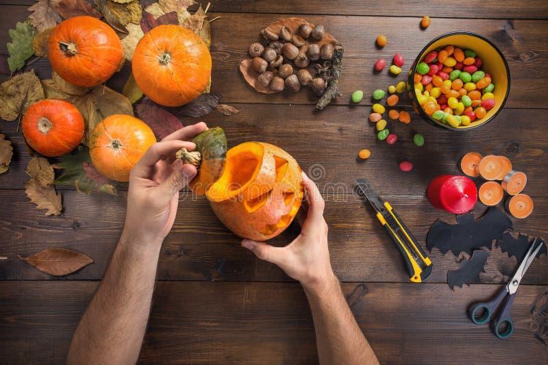 Gelukkig Halloween! Het voorbereidingen treffen voor de vakantie stock afbeelding