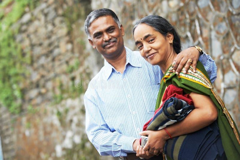 Gelukkig Indisch volwassen mensenpaar royalty-vrije stock foto's