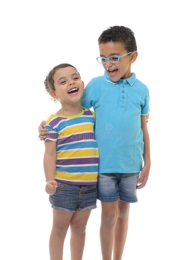 Gelukkig jong jongen en meisje stock afbeelding
