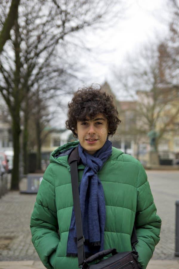 Gelukkig Jongensportret in Bielefeld, Duitsland royalty-vrije stock afbeeldingen