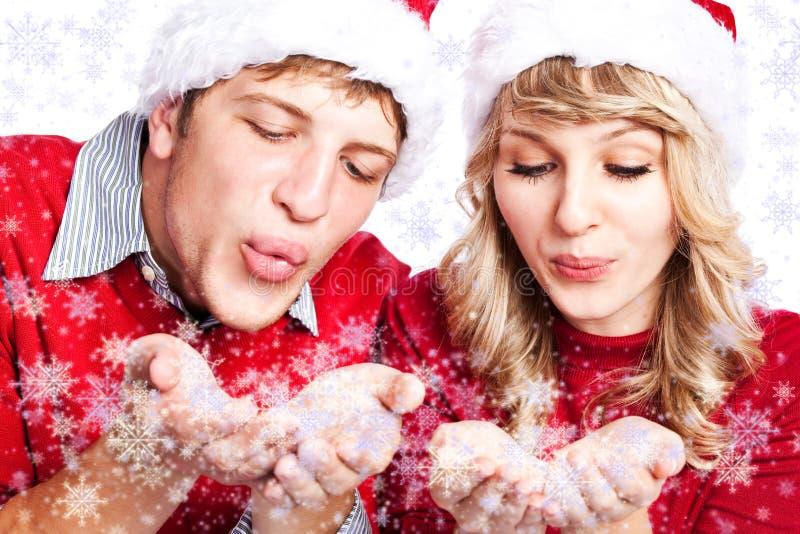 Gelukkig Kerstmispaar royalty-vrije stock afbeeldingen