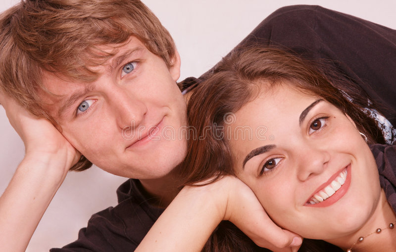 Gelukkig in liefdepaar stock afbeelding