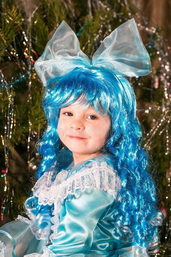 Gelukkig meisje in Carnaval-kostuum stock foto