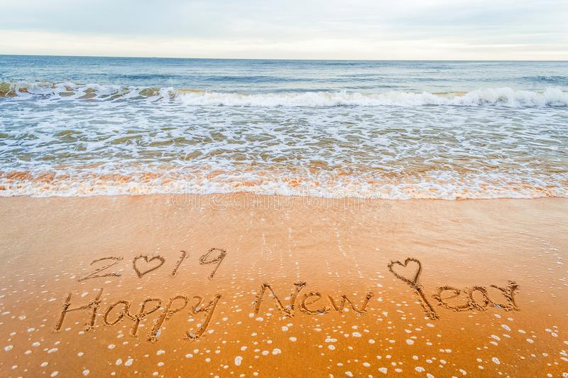 Gelukkig nieuw jaar 2019 en hartliefde stock foto