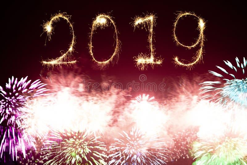 Gelukkig Nieuw jaarvuurwerk 2019 stock foto's