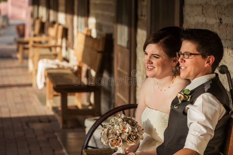 Gelukkig Paar op Bank stock fotografie