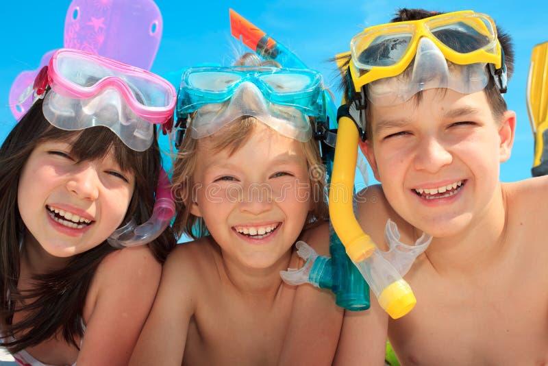 Gelukkig snorkel kinderen stock afbeeldingen