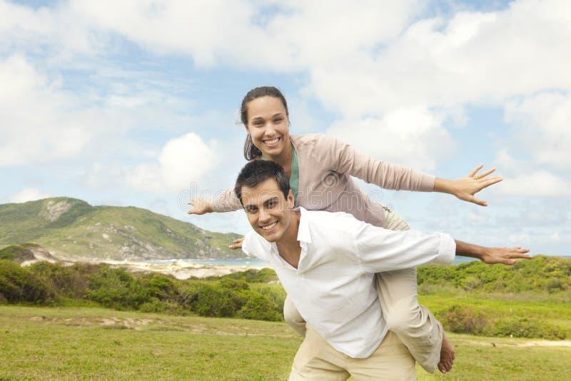 Gelukkig Spaans paar in liefde stock foto's