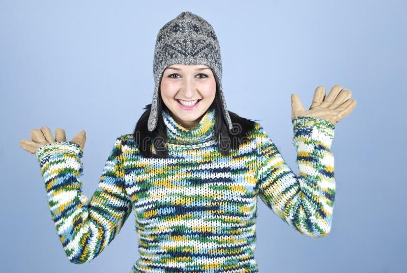 Gelukkig tienerwijfje in wintertijd stock fotografie