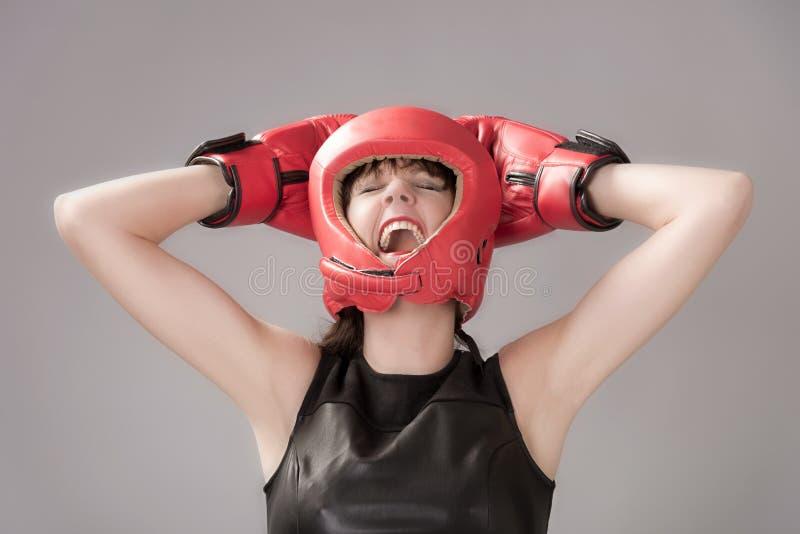 Gelukkige bokser met gloved handen op headguard royalty-vrije stock afbeelding