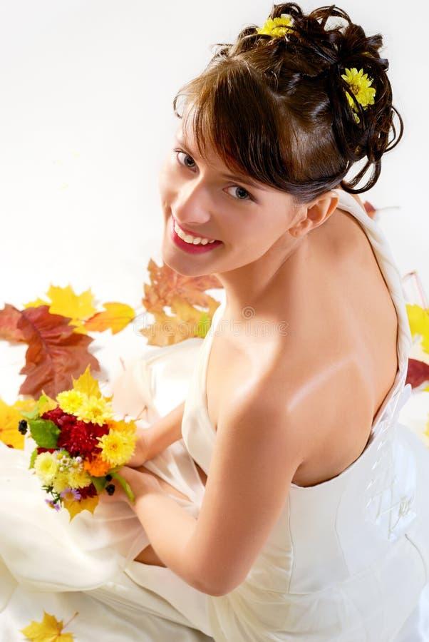 Gelukkige bruidzitting royalty-vrije stock foto's