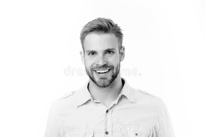 Gelukkige die mens met baard op witte achtergrond wordt geïsoleerd Mens met perfecte glimlach op ongeschoren gezicht Gebaard en k stock afbeelding