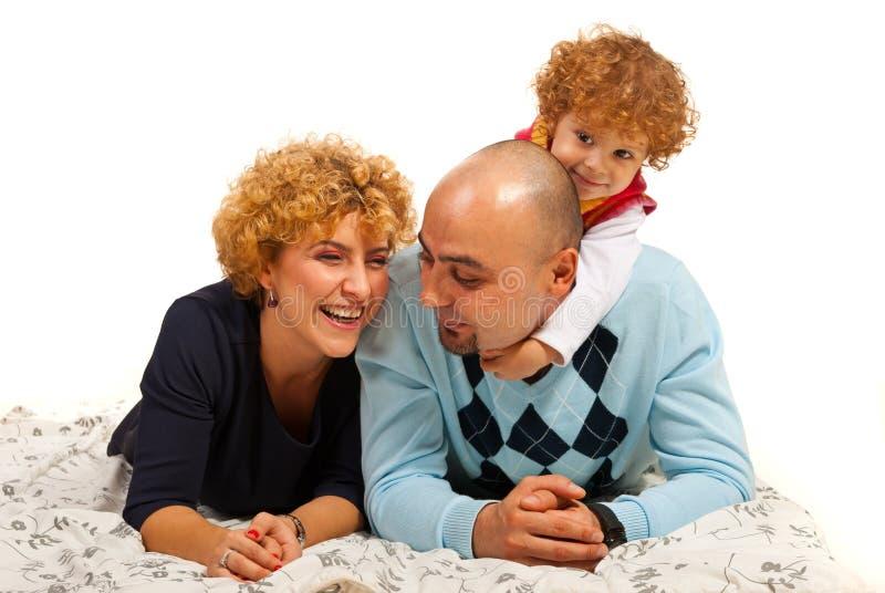 Gelukkige familie havinfg pret stock afbeeldingen