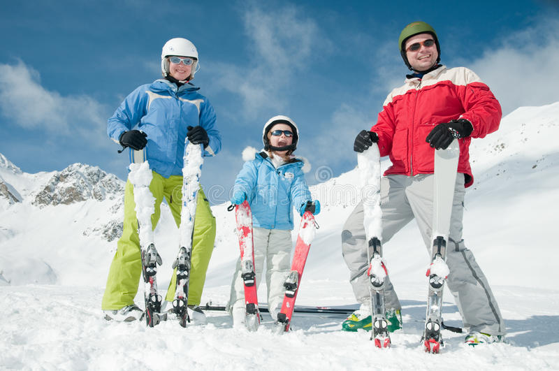 Gelukkige familie op ski royalty-vrije stock fotografie