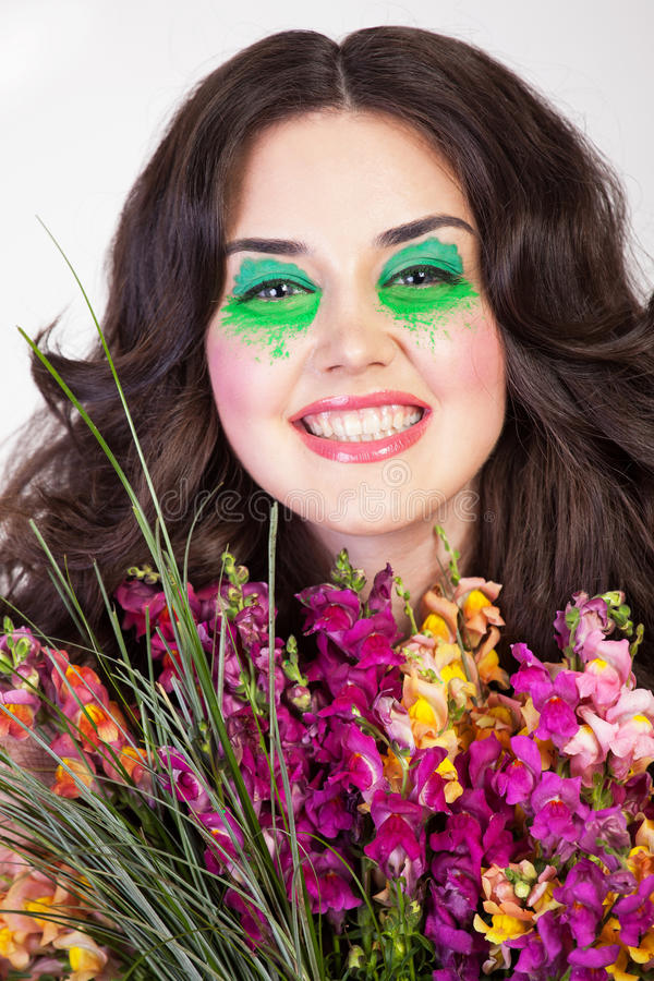 Gelukkige glimlachende jonge vrouw royalty-vrije stock afbeeldingen