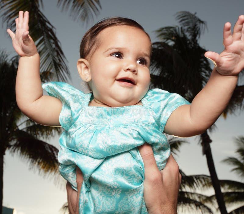Gelukkige jonge baby stock fotografie