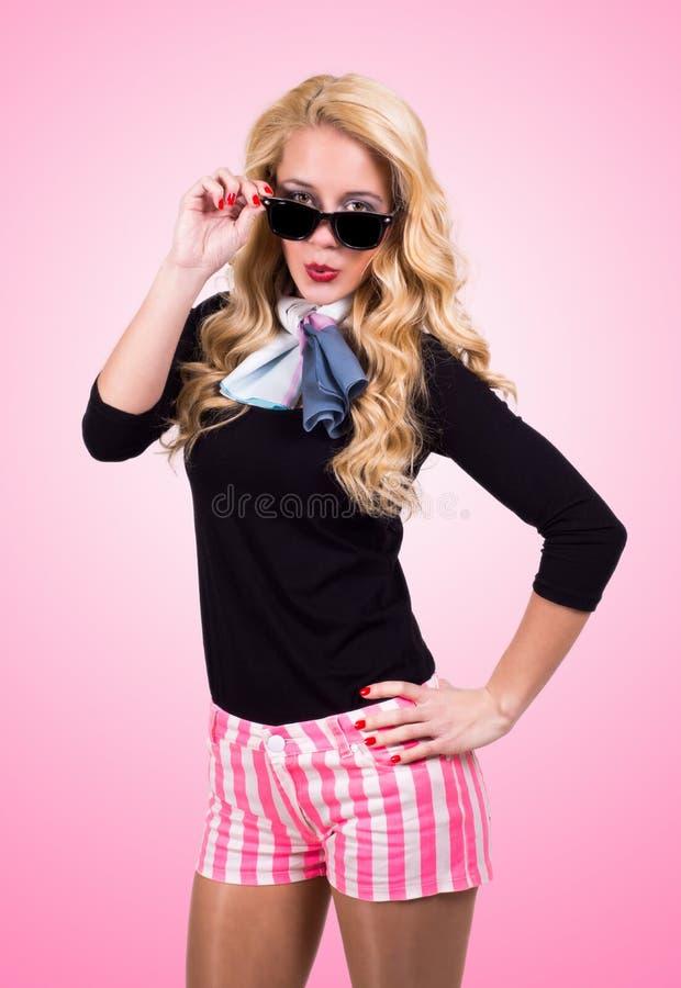 Download Gelukkige Jonge Vrouw stock afbeelding. Afbeelding bestaande uit vrij - 39110669