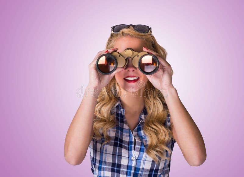 Download Gelukkige Jonge Vrouw stock foto. Afbeelding bestaande uit glazen - 39110678