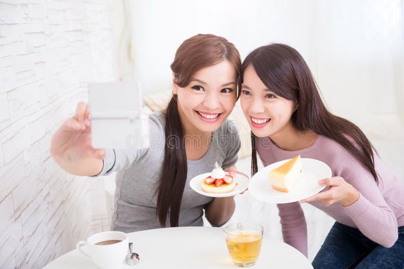 Gelukkige Jonge Vrouwelijke Vrienden stock fotografie