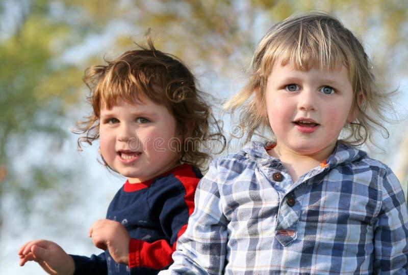 Gelukkige jongens stock fotografie
