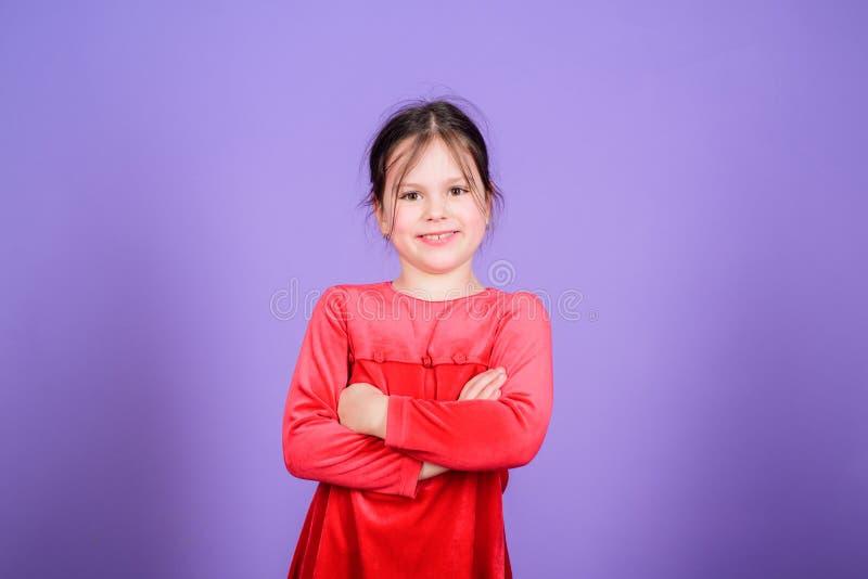 Gelukkige kinderjaren Gelukkig meisje De dag van internationale kinderen Kinderverzorging Gelukkige ogenblikken Aanbiddelijke bab royalty-vrije stock foto's