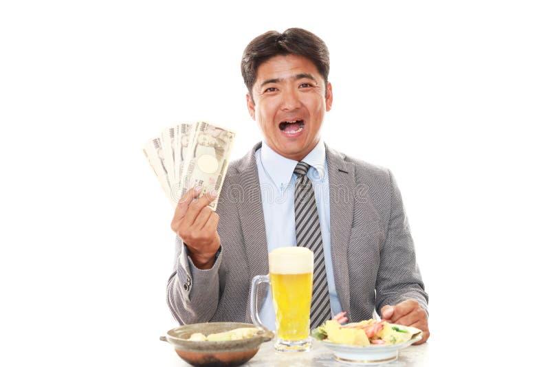 Gelukkige mens die maaltijd eten royalty-vrije stock foto's