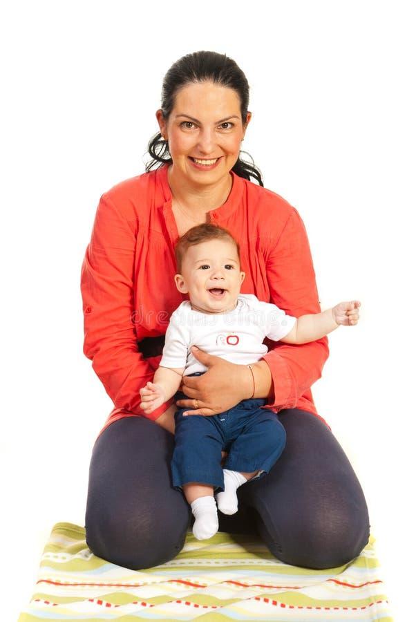 Gelukkige moeder en babyjongen royalty-vrije stock foto's