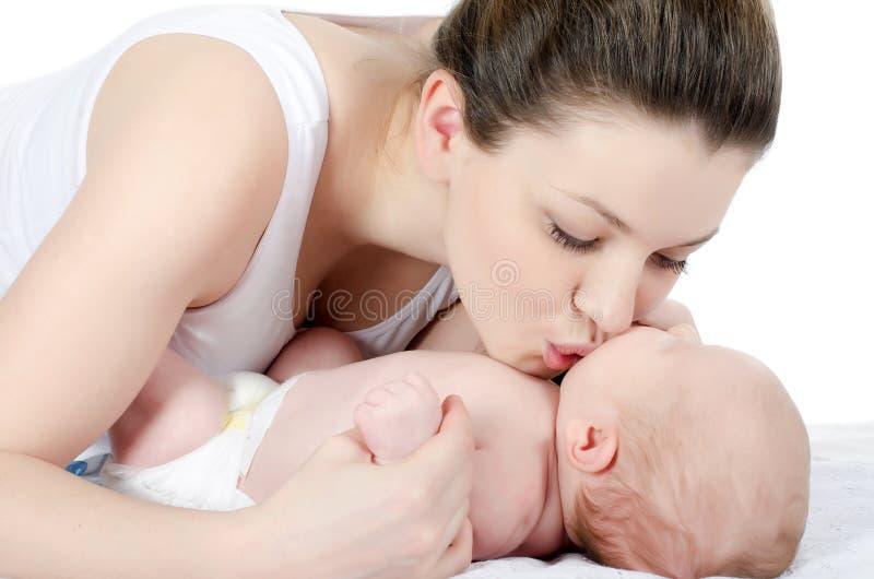 Gelukkige moeder met baby royalty-vrije stock afbeeldingen