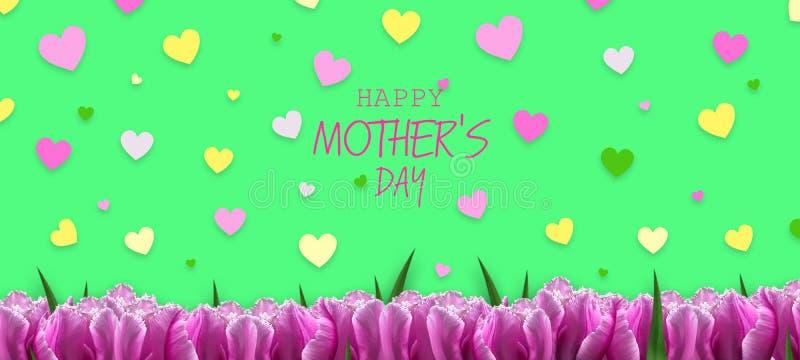 Gelukkige Moederdag, Kaart Mooie tulpen en kleurrijke harten op een groene achtergrond De achtergrond van de bloem De kaart van d stock fotografie