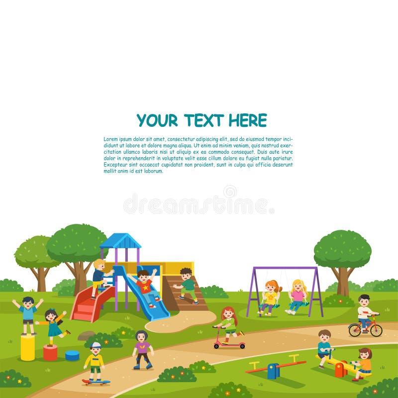 Gelukkige opgewekte jonge geitjes die pret samen op speelplaats hebben De kinderen spelen buiten met hemelachtergrond vector illustratie