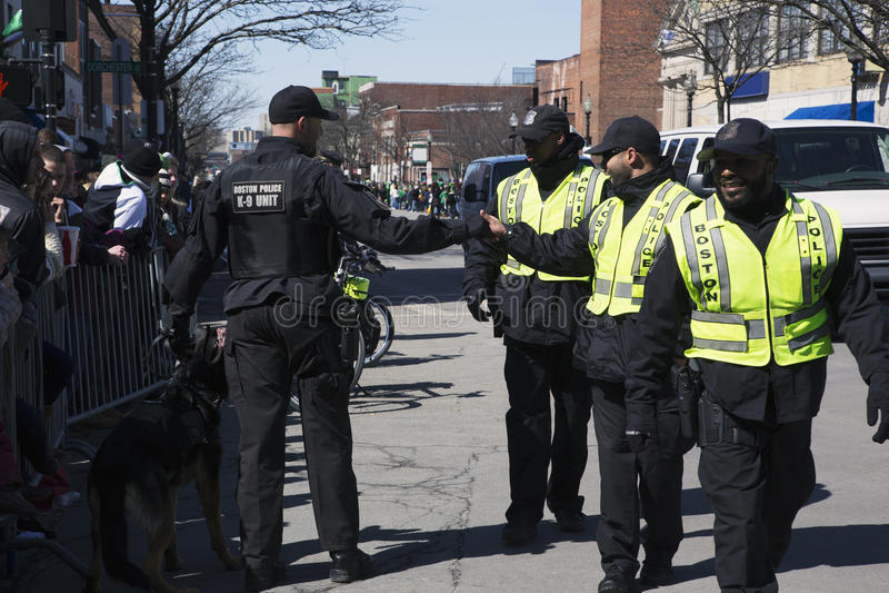 Gelukkige politie, St Patrick Dagparade, 2014, Zuid-Boston, Massachusetts, de V.S. stock fotografie