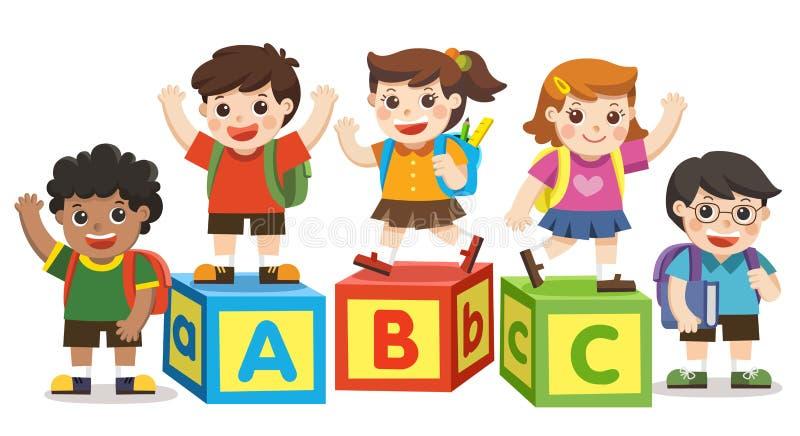 Gelukkige schooljonge geitjes met alfabetblokken royalty-vrije illustratie