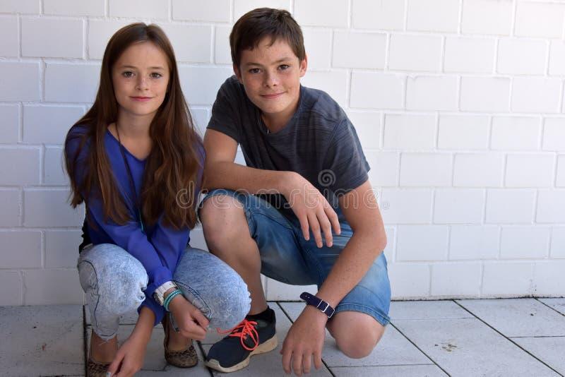 Gelukkige Siblings stock foto's
