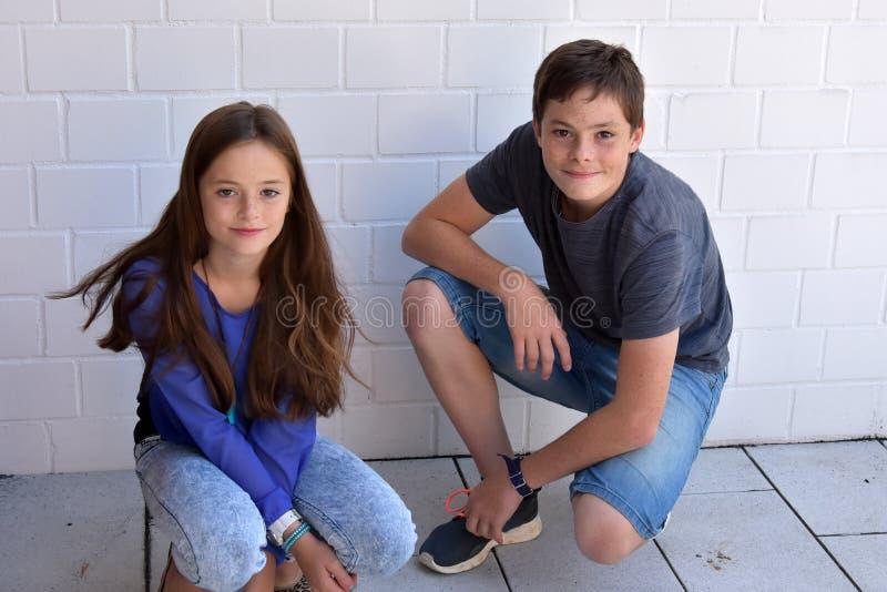 Gelukkige Siblings royalty-vrije stock foto